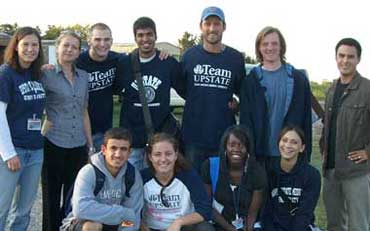 students who volunteered at migrant camp clinics