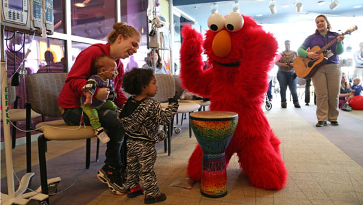 Elmo and Cookie UGCH 2014