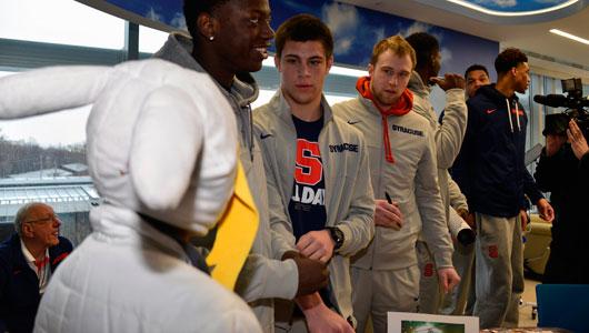 SU basketball team visits Upstate
