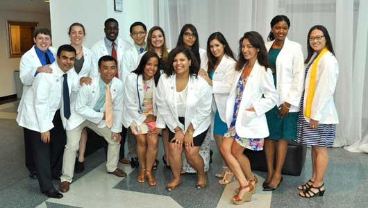 First-year medical students at Upstate receive white coats