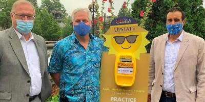 Upstate Cancer Center donates sunscreen dispensers to Rosamond Gifford Zoo