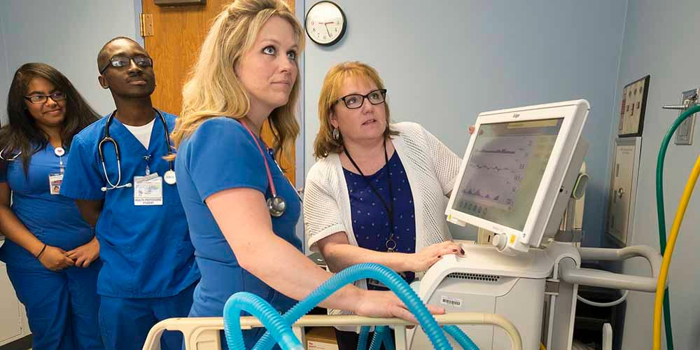 Upstate's College of Health Professions opens distance learning program at Rochester General College of Health Careers.