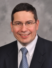 Roberto E Izquierdo, MD
